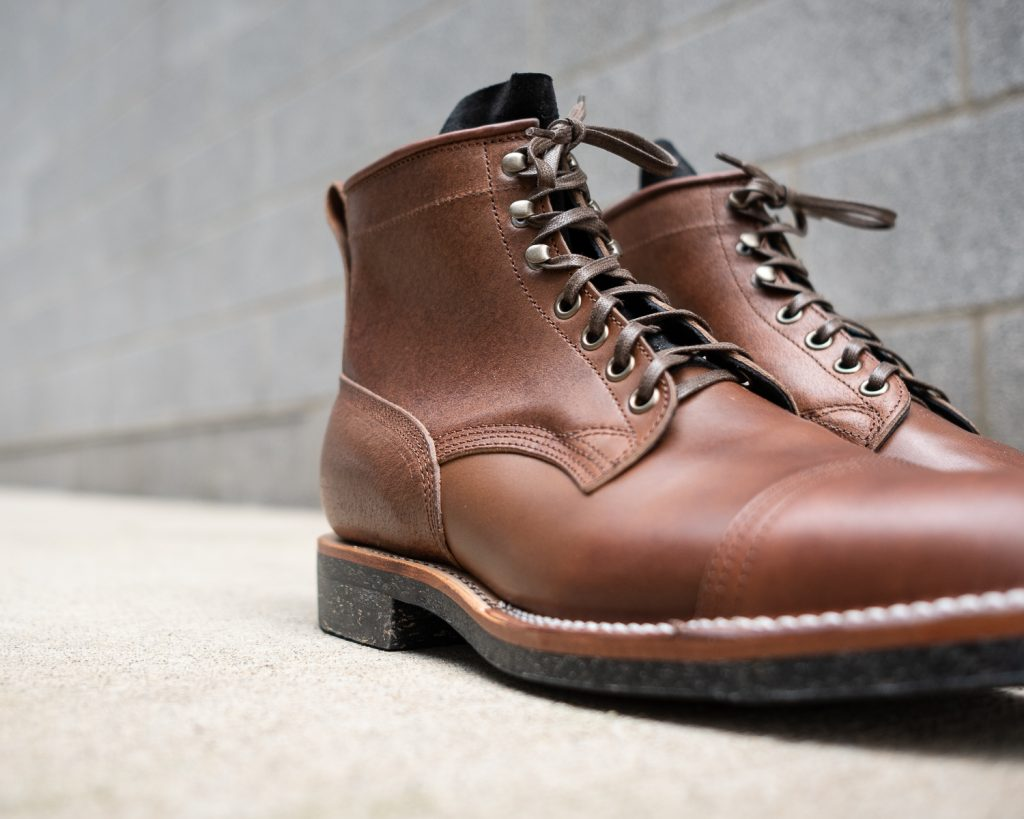Viberg for Withered Fig Brown Waxed Flesh Horsebutt Bobcat Boot w/ Contrast Tongue